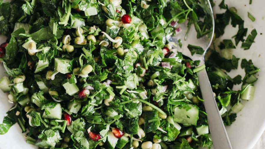 Vegan Parsley, Pomegranate And Sprouted Mung Salad