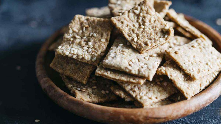 Vegan Sesame Garlic Crackers
